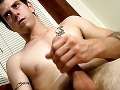 Right away Unclothed Youthful Guy Jerks Off and Interview for StraightNakedThugs - Seth G