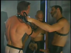 Gay guy play apartments sex scene with leather in 1 episode