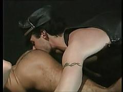 Bear twink licks hairy muscle anus on floor