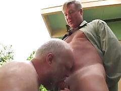 Oldest fruit sucks heavy cock of boyfriend