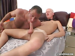 Bear dad sucks palatable dudes cock