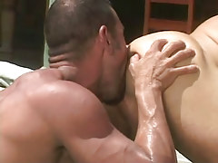 Bear dilf licks out tight boys hole