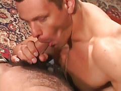 Appealing muscle gay sucks bear boyfriend
