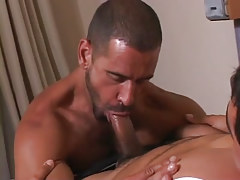 Mature guy maws appetizing cock