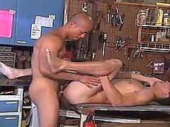 Man screams from heavy schlong penetrating his ass