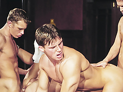 Orgy! Studs Kind Exchanging Tongues & Dicks In Their Holes